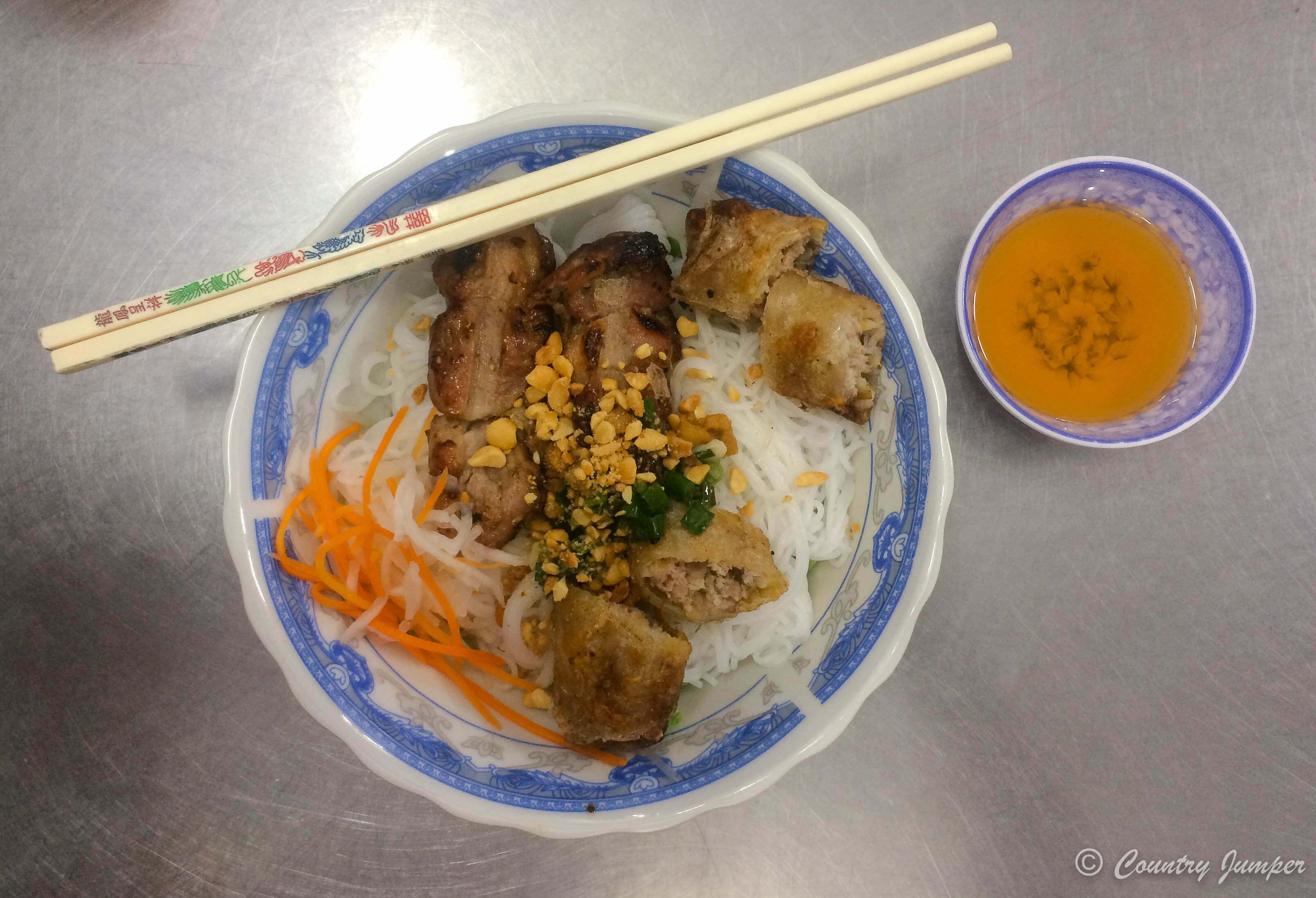 Bún Thịt Nướng - best Vietnamese street food