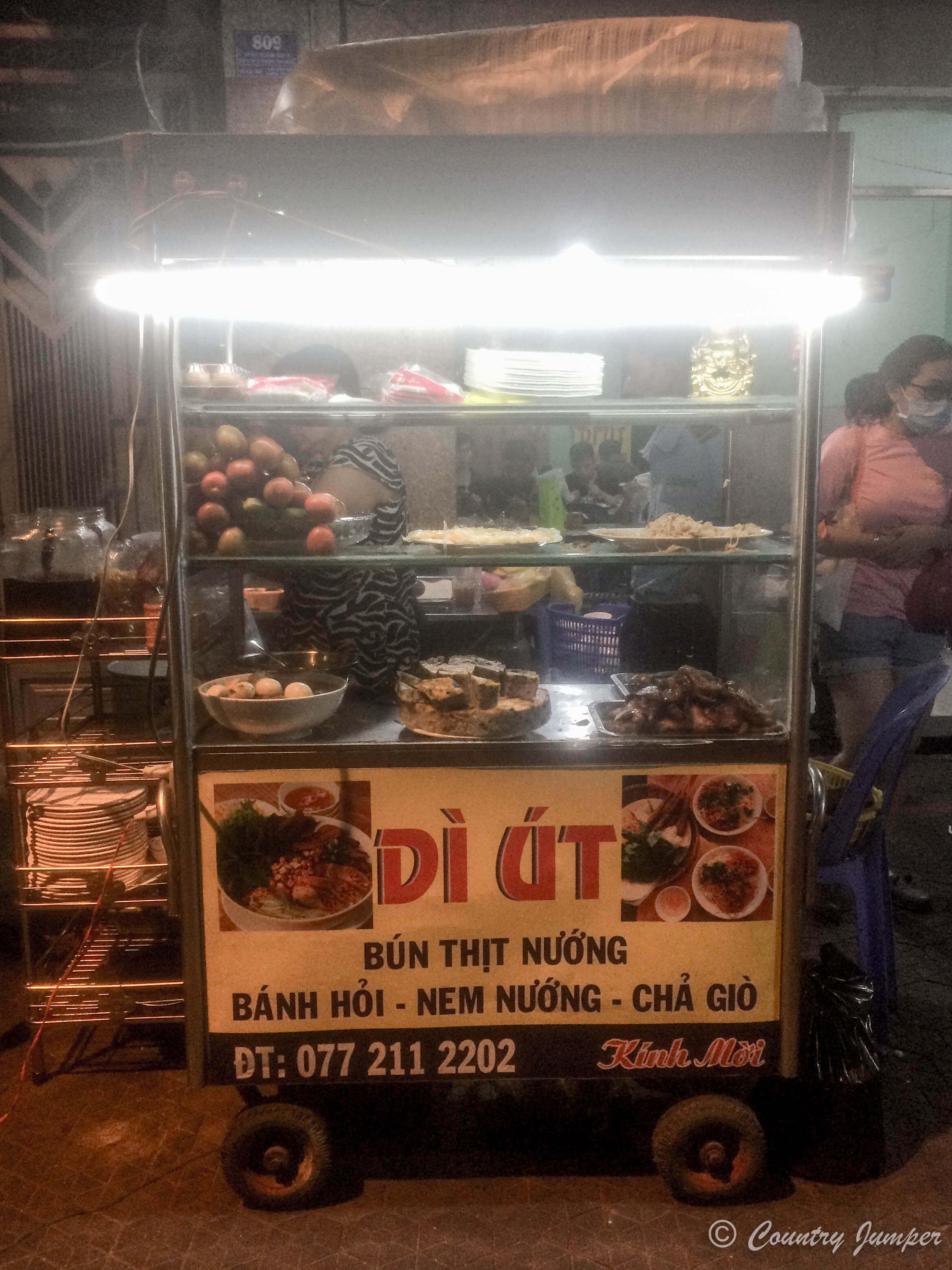 com tam Vietnamese street food